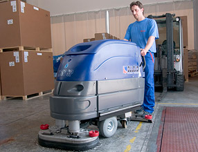 Floor Cleaning Machines � H607 Scrubber