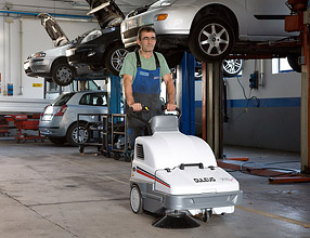 Floor Cleaning Machines - 700 Sprint Sweeper